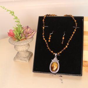 Beautiful Tiger Eye Nacklace/Earring Set in Box